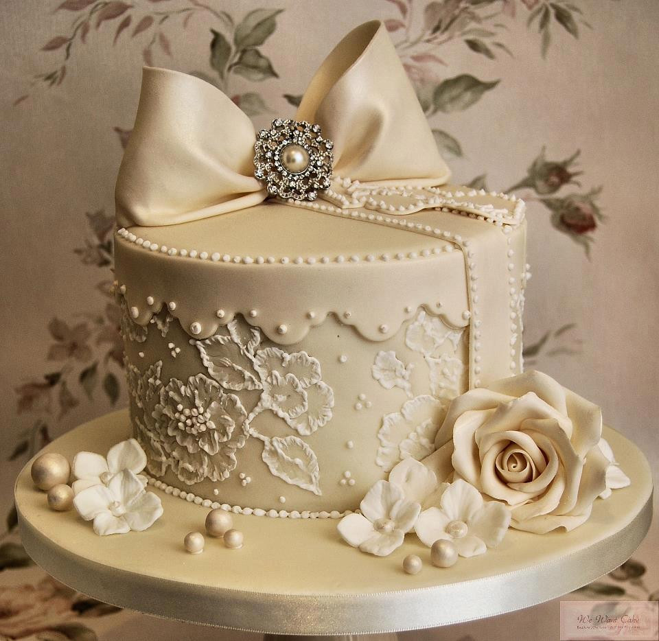 Small Elegant Wedding Cakes  Wedding Cakes – SERYNNA