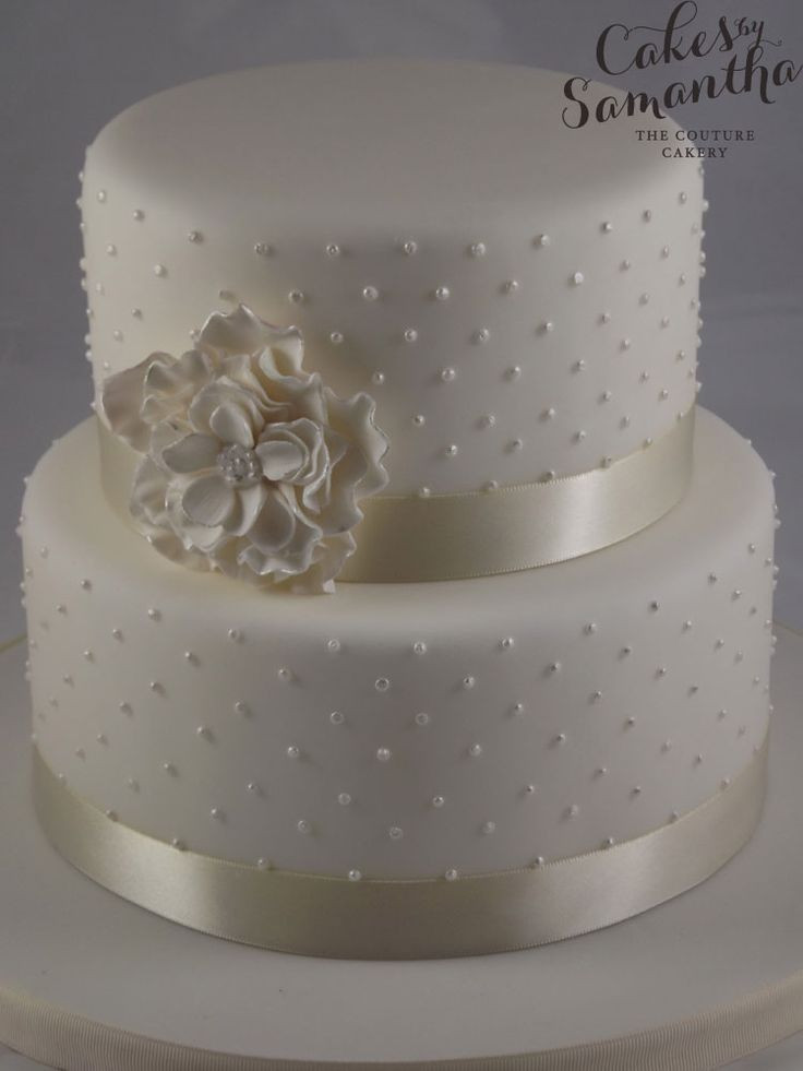 Small Two Tier Wedding Cakes  Small two tier wedding cake idea in 2017