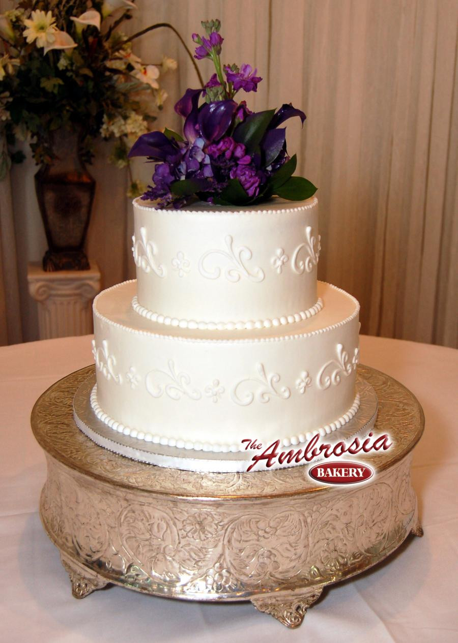 Small Two Tier Wedding Cakes  Small 2 tier wedding cakes idea in 2017