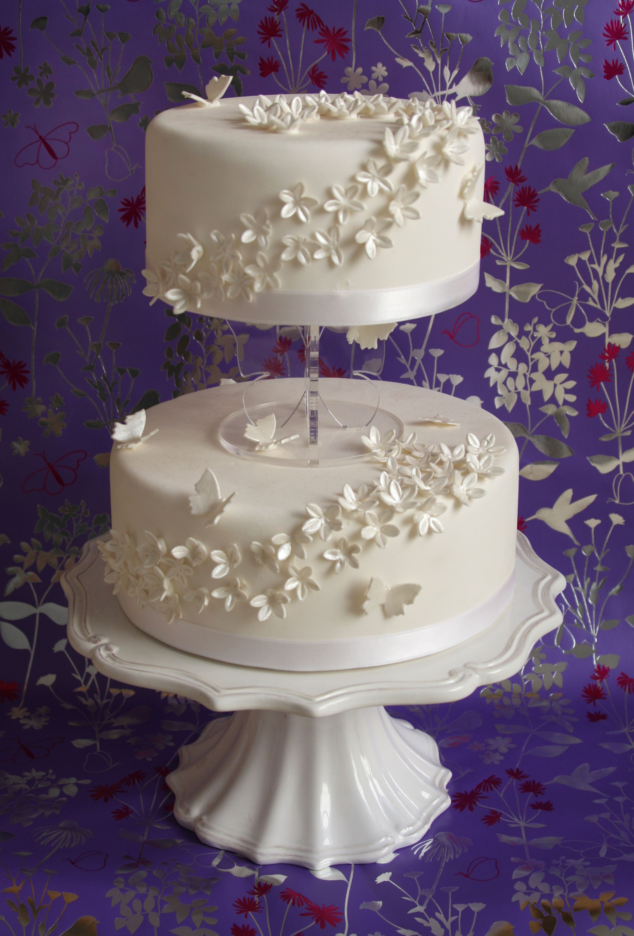 Small Two Tier Wedding Cakes  Small Two Tier Wedding Cakes