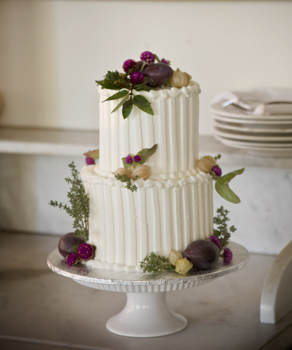 Small Wedding Cakes  A Simple Cake The Sweetness of Small Weddings