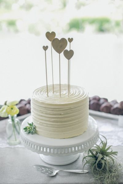 Small Wedding Cakes Designs  26 Small Wedding Cake Ideas Pretty Designs