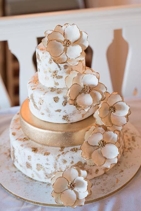 Small Wedding Cakes Images  Wedding Cakes