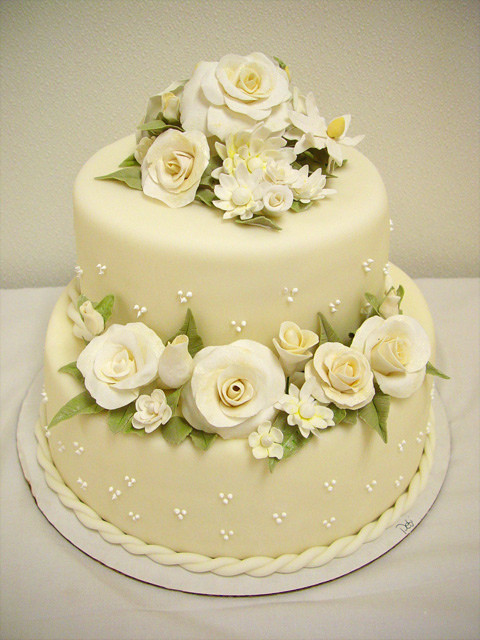 Small Wedding Cakes Pictures  Small Wedding Cake