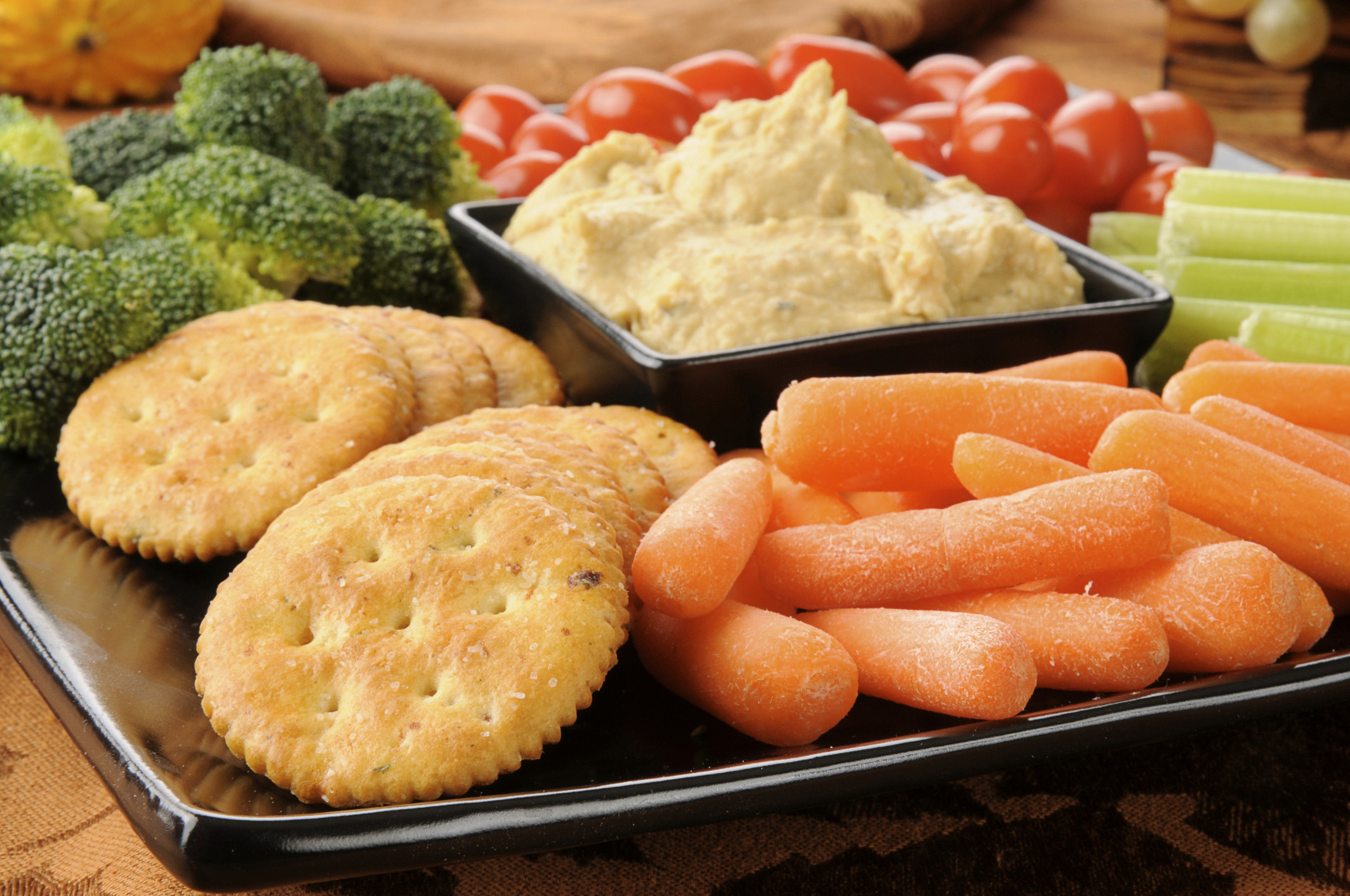 Snacks That Are Healthy  LiveWell line Magazine