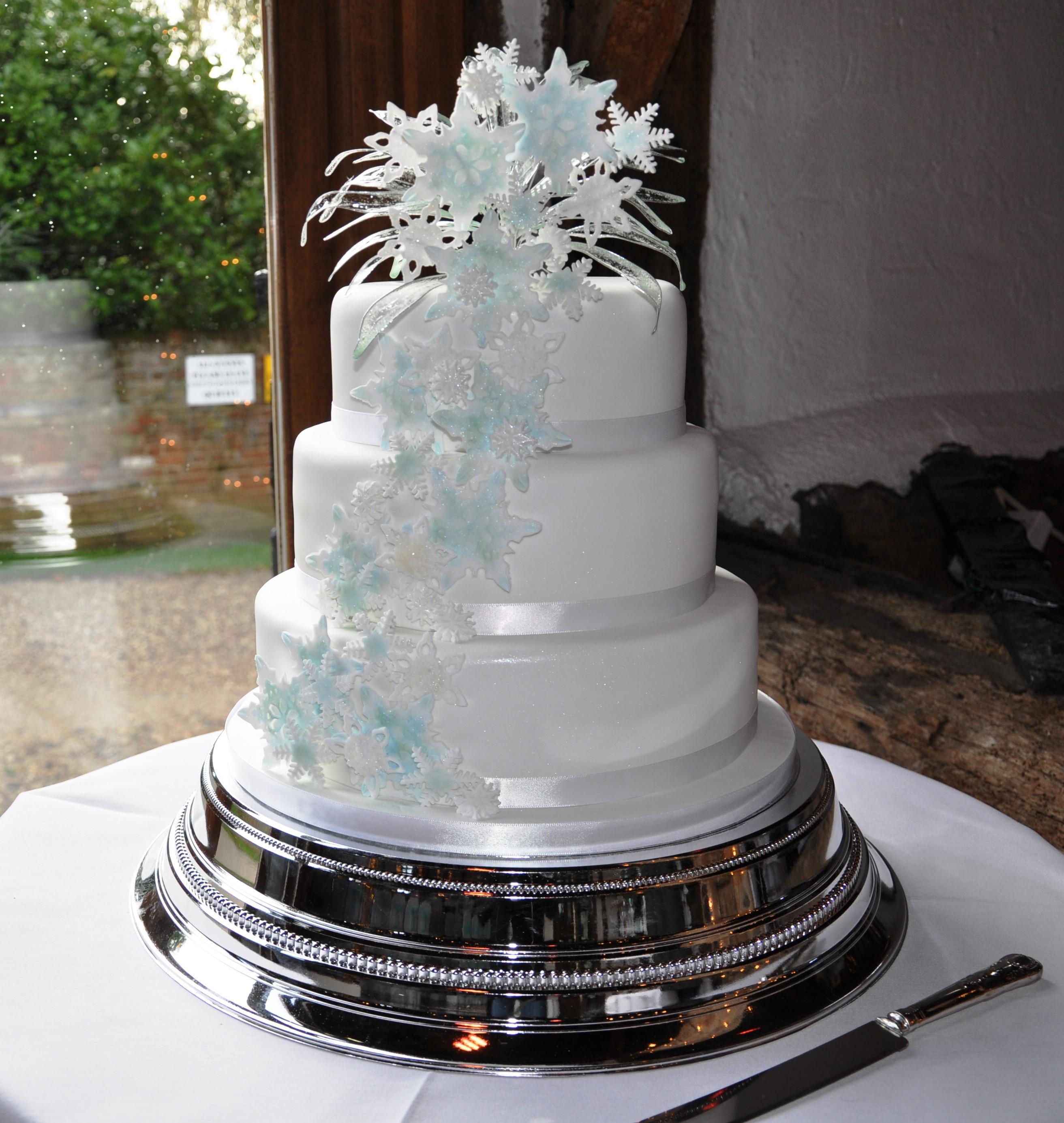 Snow Flake Wedding Cakes  Snowflake Wedding Cake Design Cakephoria