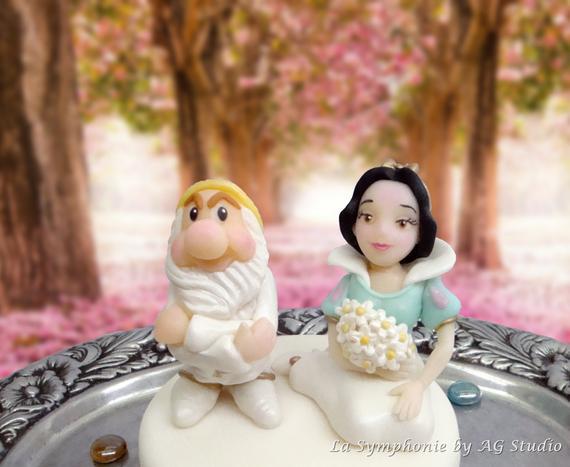 Snow White Wedding Cake Toppers  Snow White Wedding cake topper Wedding cake topper