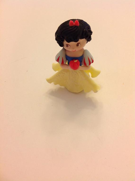 Snow White Wedding Cake Toppers  Princess inspired Snow White cake topper Snow white cake