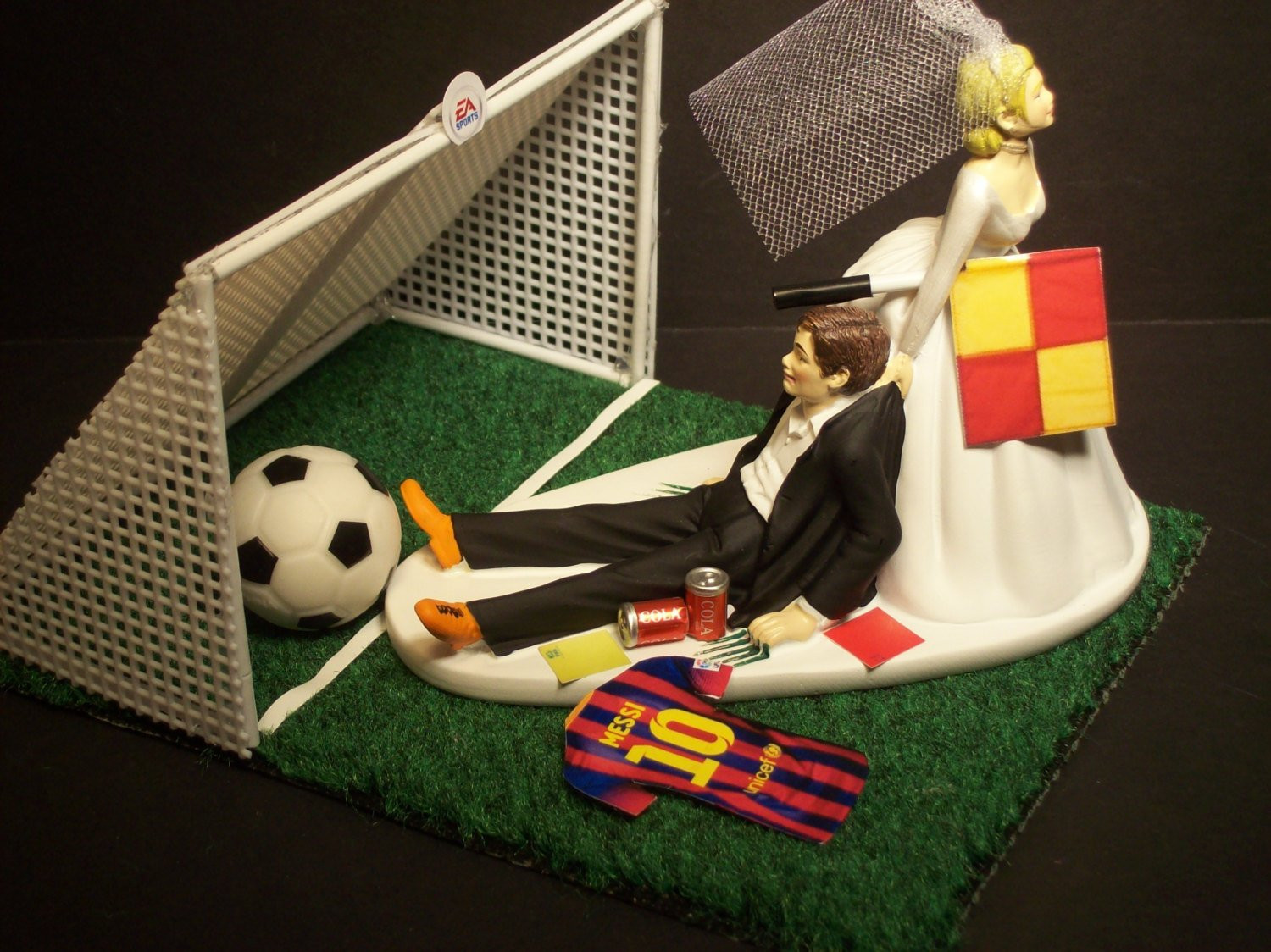 Soccer Wedding Cakes  NO Football Soccer Futbol FIFA Bride and Groom Messi with Goal