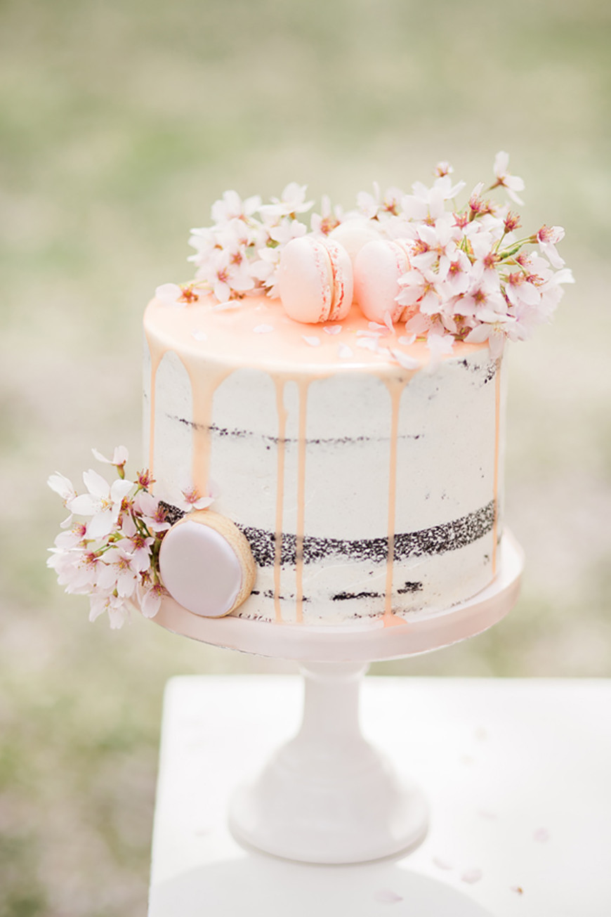 Spring Wedding Cakes  14 Stunning Spring Wedding Cakes