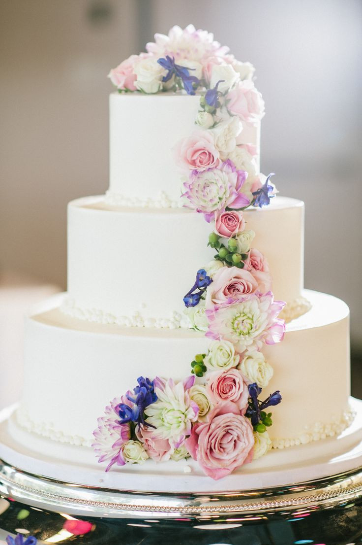 Spring Wedding Cakes  Top 15 Spring Wedding Cake Ideas – Unique Party Theme