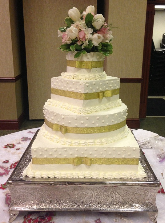 Square And Round Wedding Cakes  Square And Round Wedding Cakes Wedding and Bridal