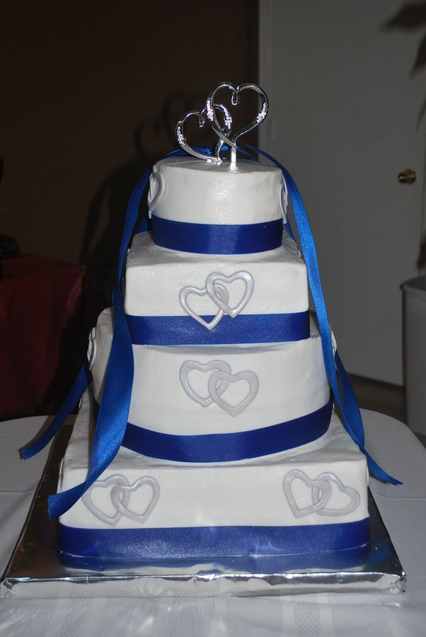 Square And Round Wedding Cakes  square and round bination wedding cakes