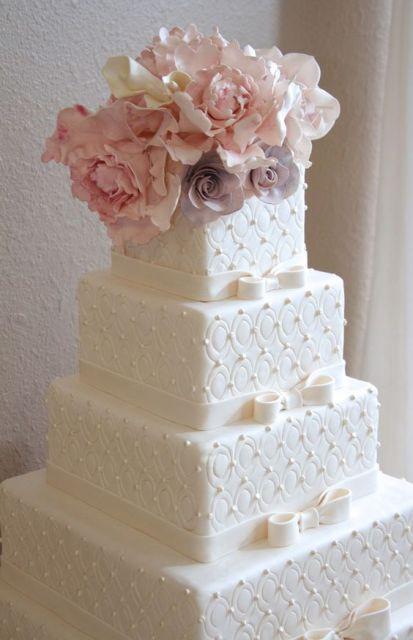Square Wedding Cakes Pictures  30 Gorgeous Square Wedding Cake Ideas Weddingomania