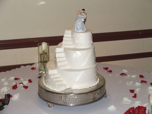 Staircase Wedding Cakes  Dili s blog I can guarantee that you will be very pleased