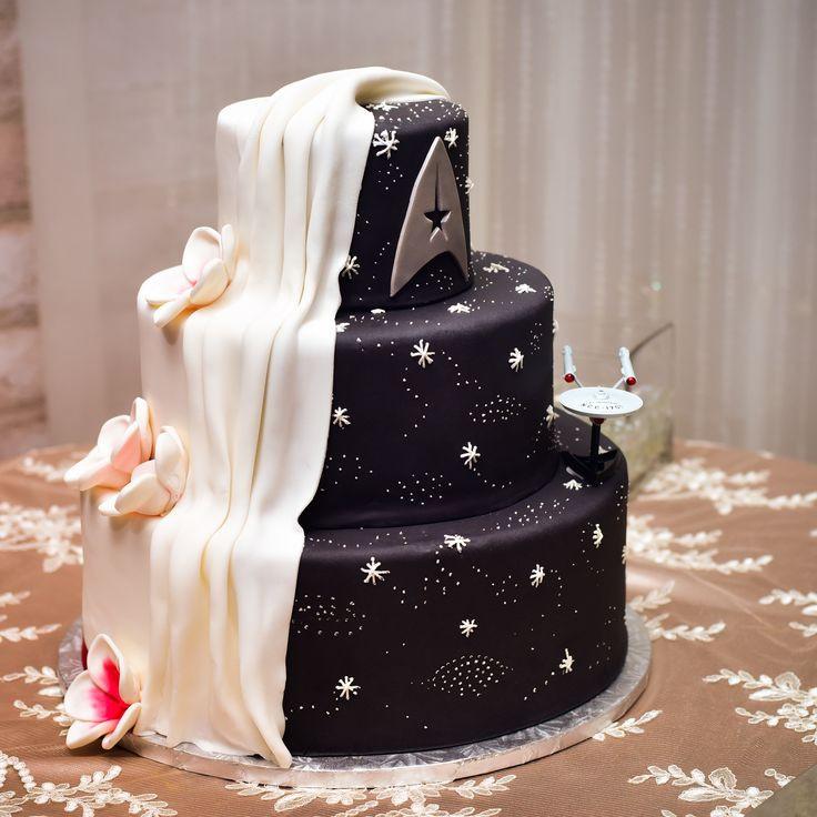 Star Trek Wedding Cakes  17 Best ideas about Star Trek Wedding on Pinterest
