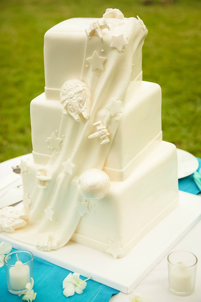 Star Wars Wedding Cakes  Star Wars Wedding Cake Here s An Epic Star Wars Wedding Cake