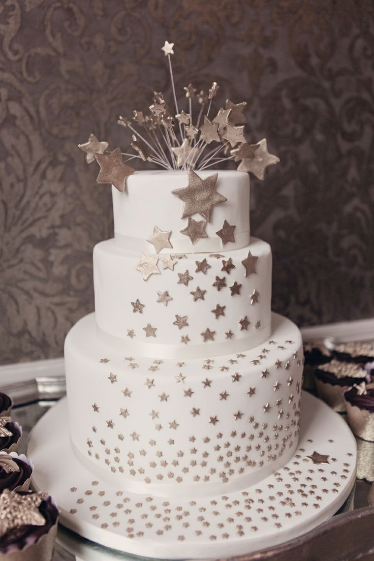 Star Wedding Cakes  35 Inspirational Ideas To Make A Stunning Starry Night