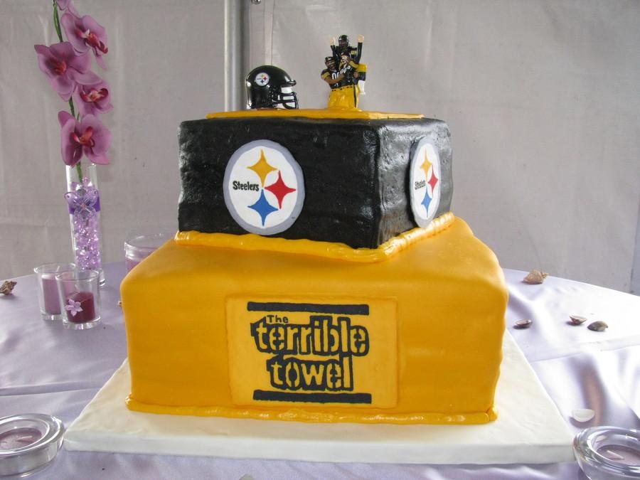 Steeler Wedding Cakes  Steelers Wedding Cake CakeCentral