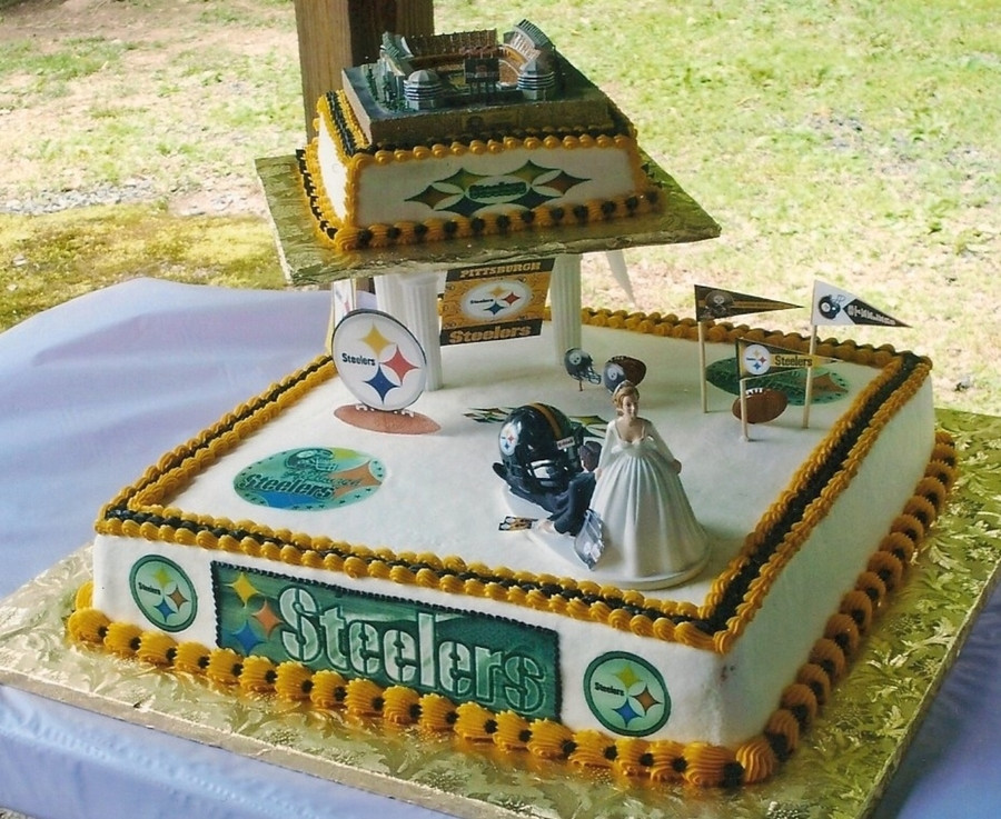 Steeler Wedding Cakes  Pittsburgh Steelers Wedding Cake CakeCentral