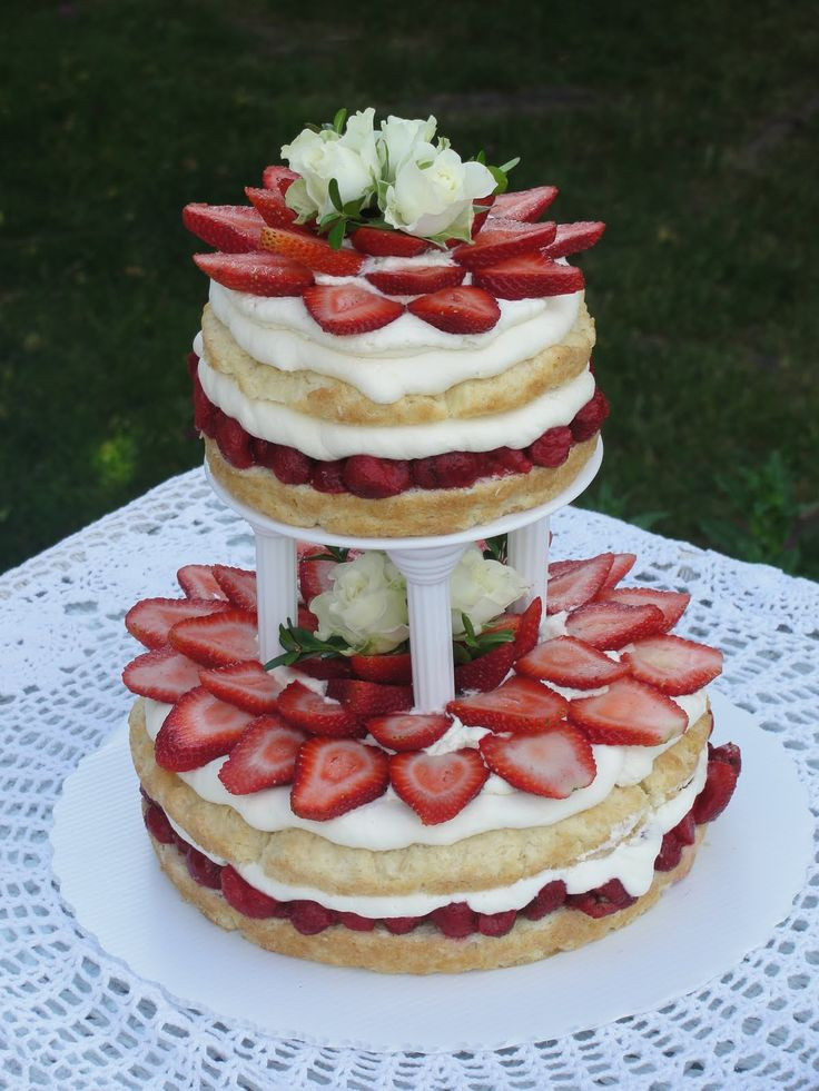 Strawberry Shortcake Wedding Cakes  1000 images about wedding cake with berries on Pinterest