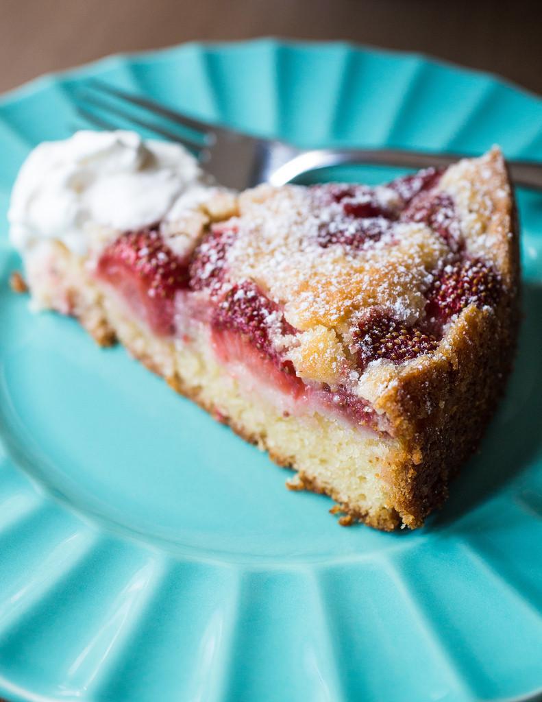 Strawberry Summer Cake  Strawberry Summer Cake Smells Like Home