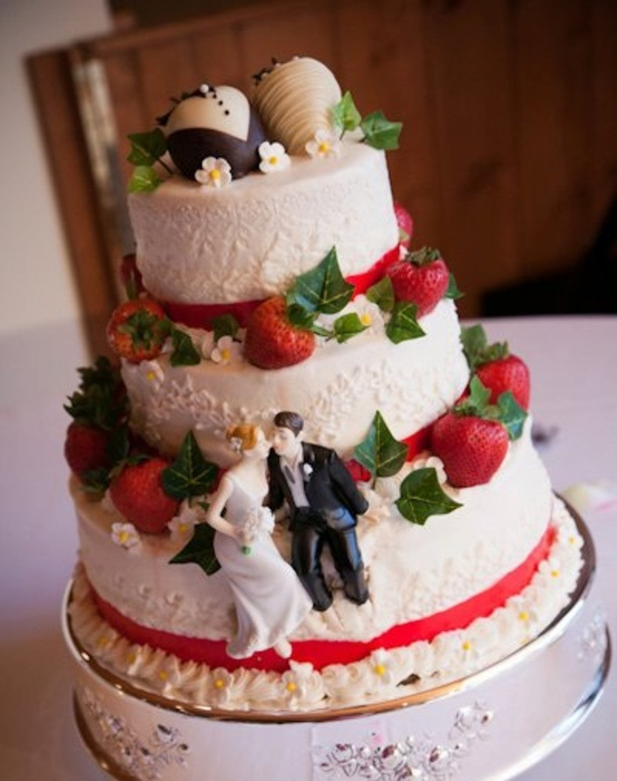 Strawberry Wedding Cake Recipe  Strawberry Wedding Cake Filling Recipes Bing images