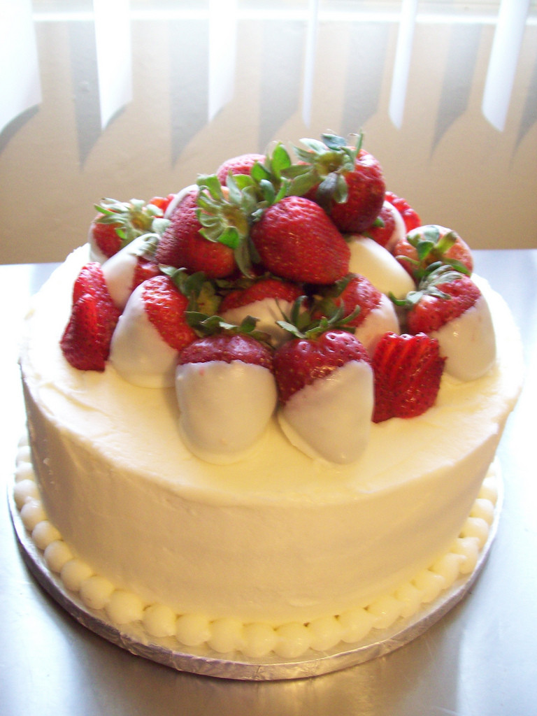 Strawberry Wedding Cake Recipes  Strawberry Wedding Cake Filling Recipes Bing images