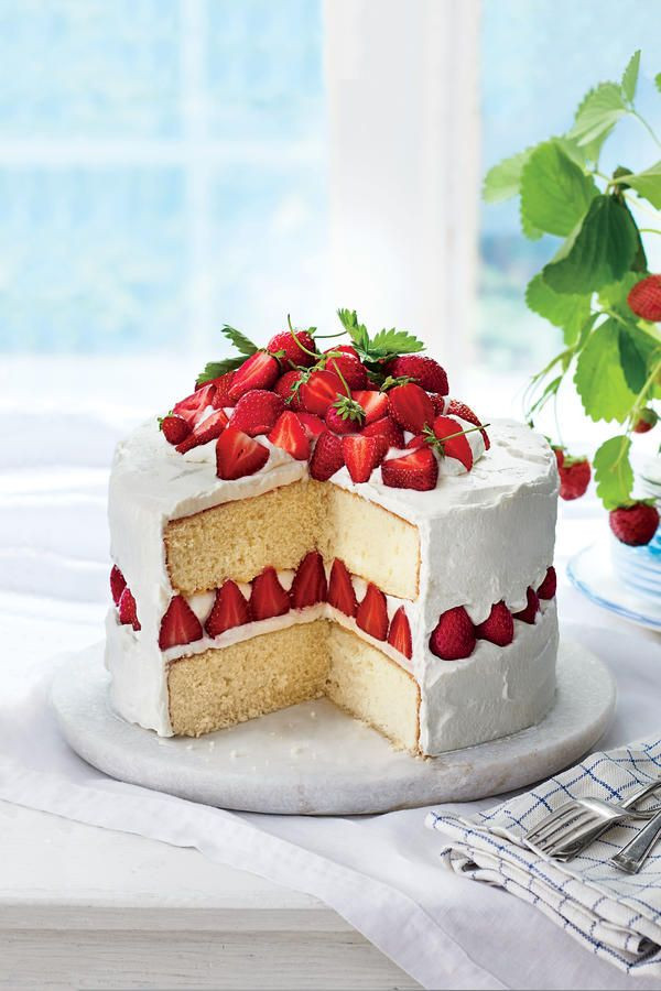 Strawberry Wedding Cake Recipes  Best 25 Dream cake ideas on Pinterest