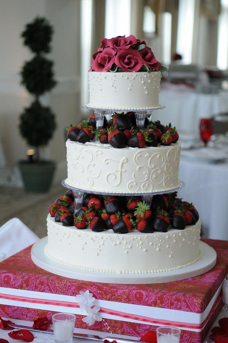 Strawberry Wedding Cakes  Dulcet Strawberry Topping Wedding Cake Idea – WeddCeremony
