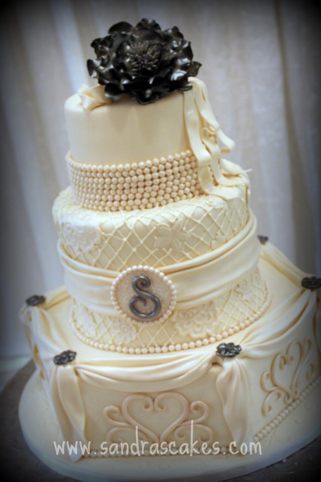 Stunning Wedding Cakes  Stunning Vintage Wedding Cake
