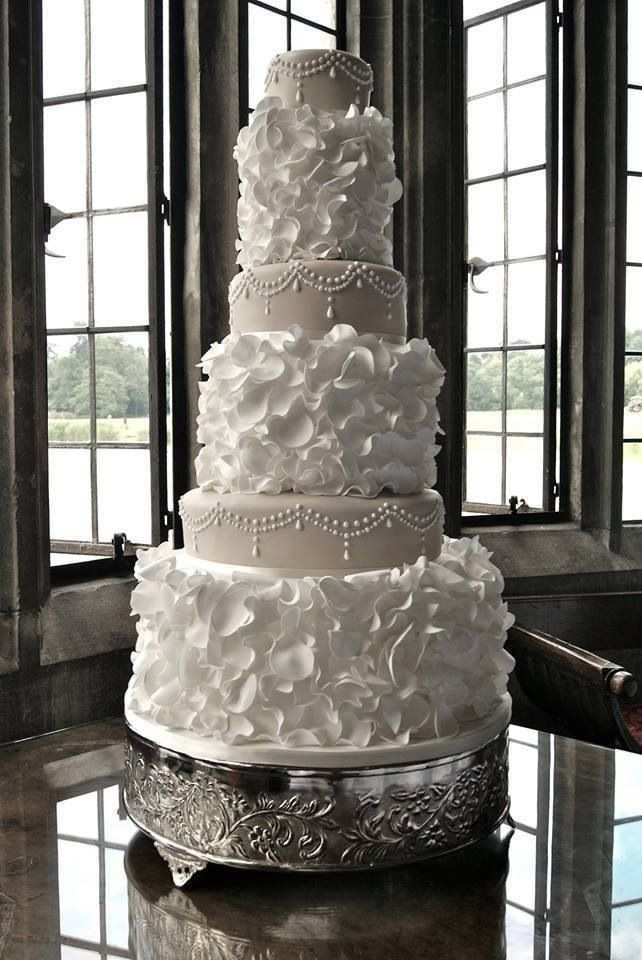 Stunning Wedding Cakes  25 Best Ideas about Beautiful Wedding Cakes on Pinterest