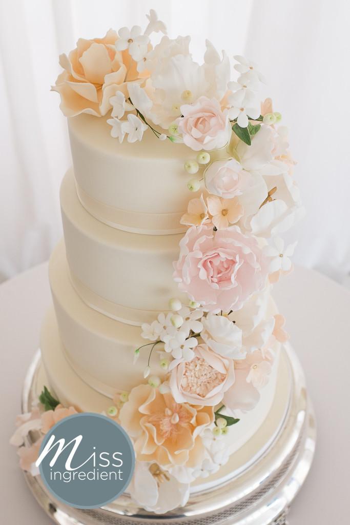 Sugar Flowers For Wedding Cakes  Sugar flower wedding cakes idea in 2017