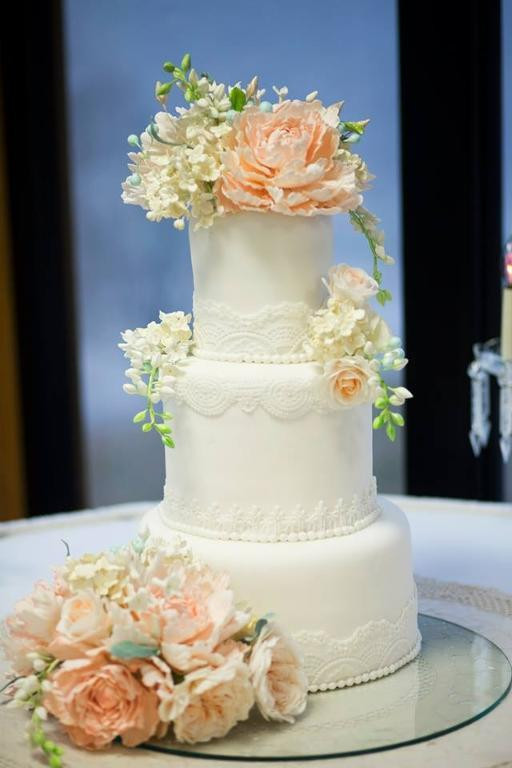 Sugar Free Wedding Cakes  Wedding Flowers sugar flower wedding cakes