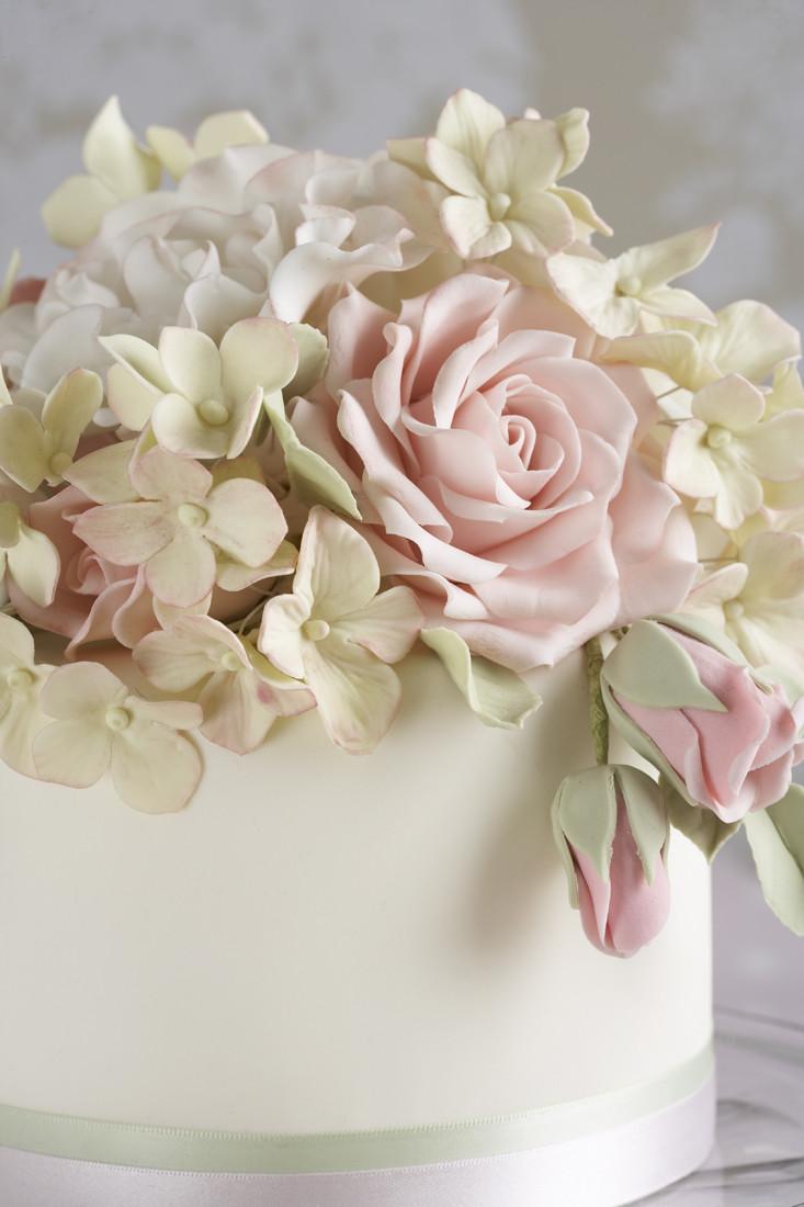 Sugarcraft Flowers Wedding Cakes  THE WEDDING BLOG DESIGNER PEGGY PORSCHEN CAKES