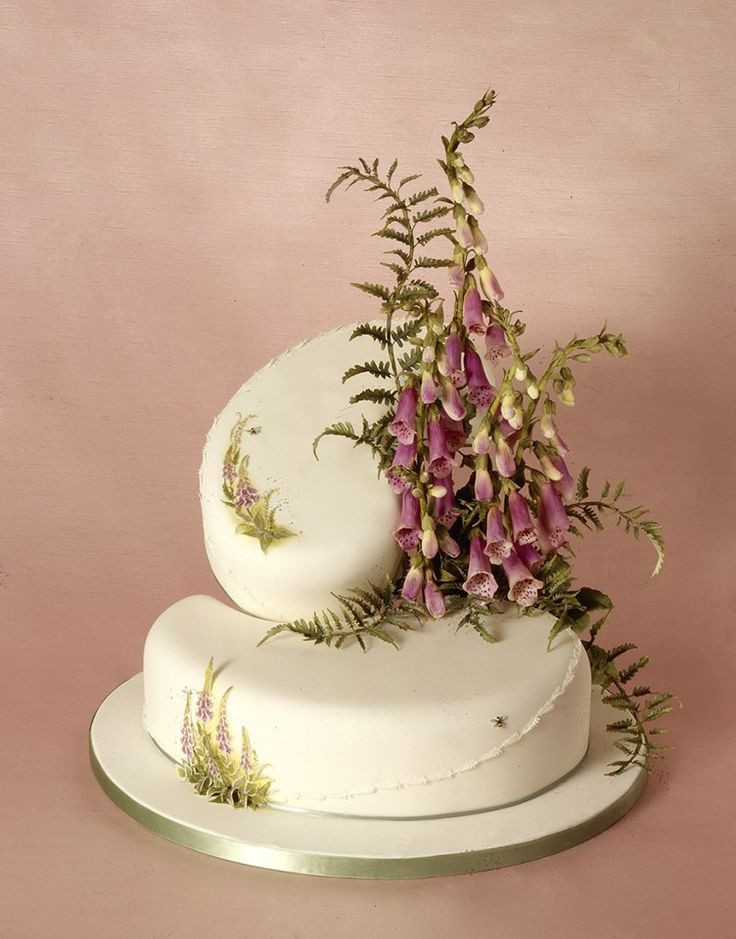 Sugarcraft Flowers Wedding Cakes  79 best ideas about Paisley Pan Cakes on Pinterest