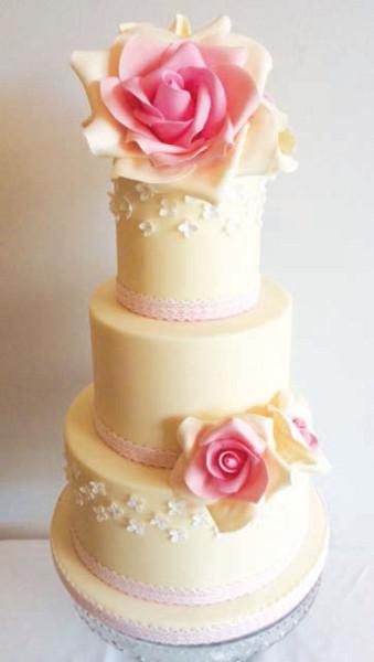Sugarcraft Flowers Wedding Cakes  Making Sugar Flower Rose Wedding Cake Cake It To