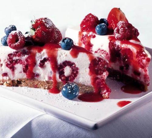 Summer Berry Desserts  Summer berry mousse cake recipe