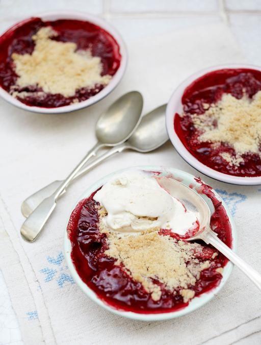 Summer Desserts Jamie Oliver  Gluten free strawberry & raspberry crumble
