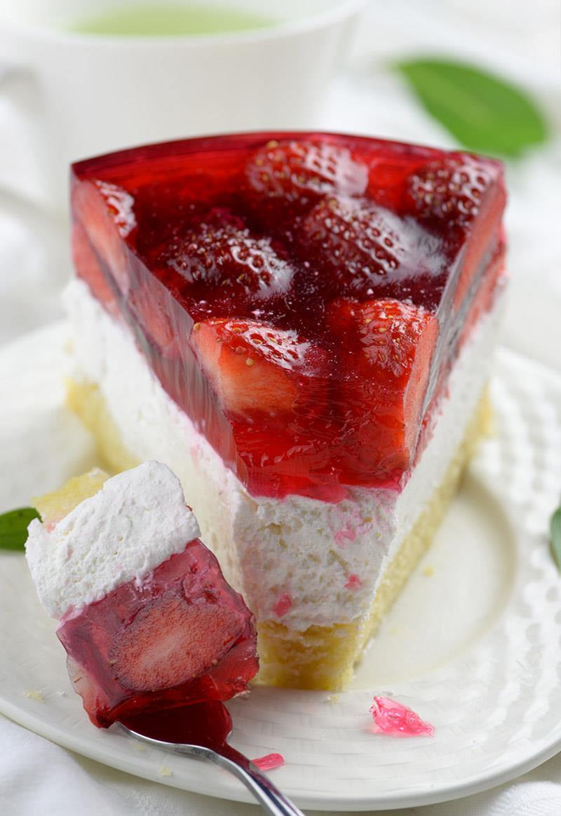 Summer Desserts Recipes  Strawberry Jello Cake