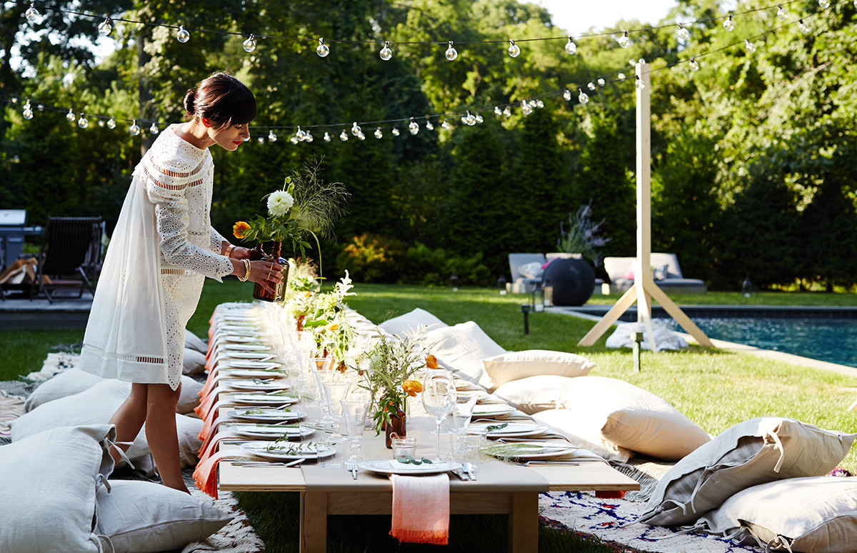 Summer Dinner Parties  Athena Calderone s Dream Dinner Party Outdoor