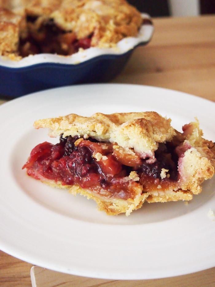 Summer Fruit Pies  Summer Fruit Pie SundaySupper Pies and Plots