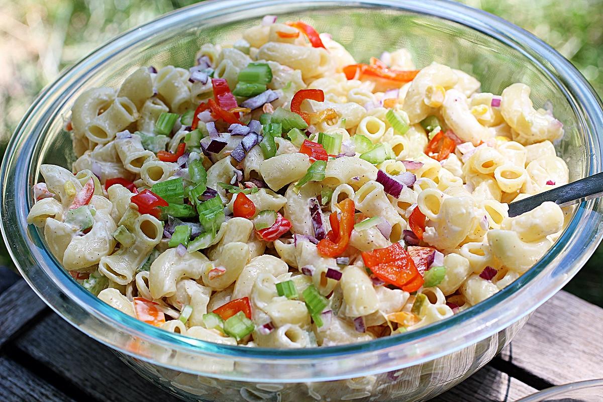 Summer Macaroni Salad  Simple Summer Macaroni Salad [Vegan] e Green Planet e