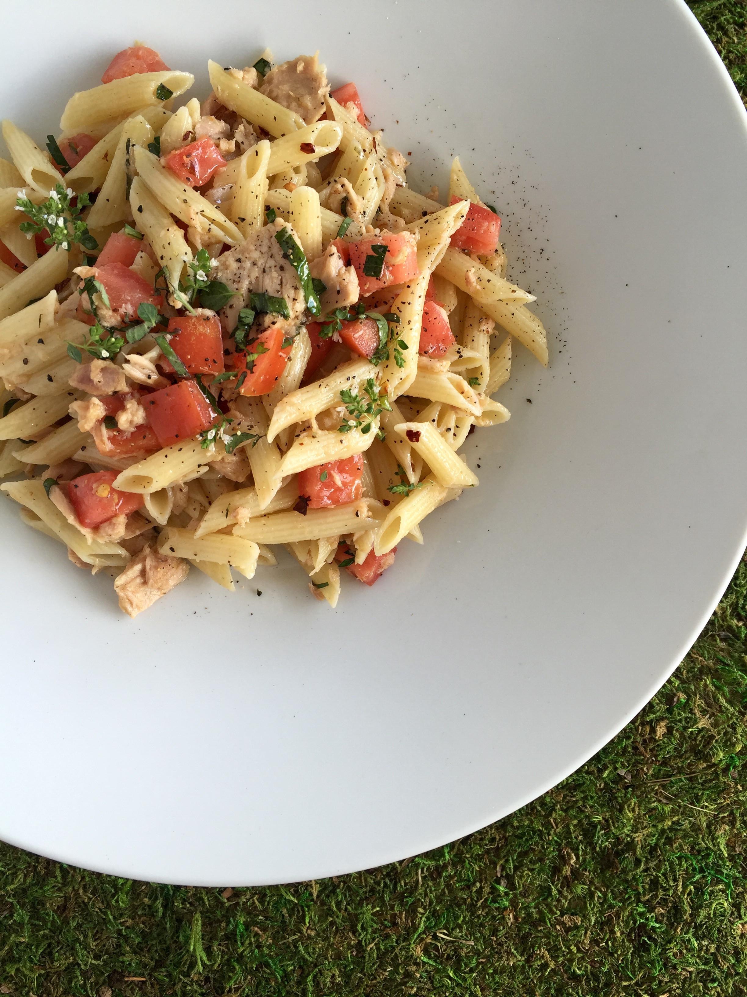 Summer Pasta Dinners  Easy Dinner Pasta with Italian Tuna & Late Summer