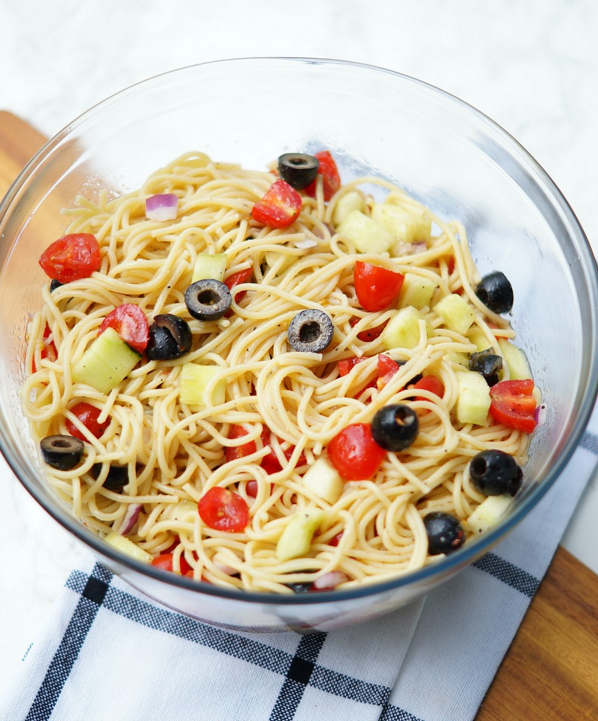 Summer Spaghetti Salad  Summer Spaghetti Salad with Veggies and Italian Dressing