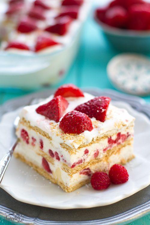 Summer Strawberry Cake  110 best Diner En Blanc images on Pinterest