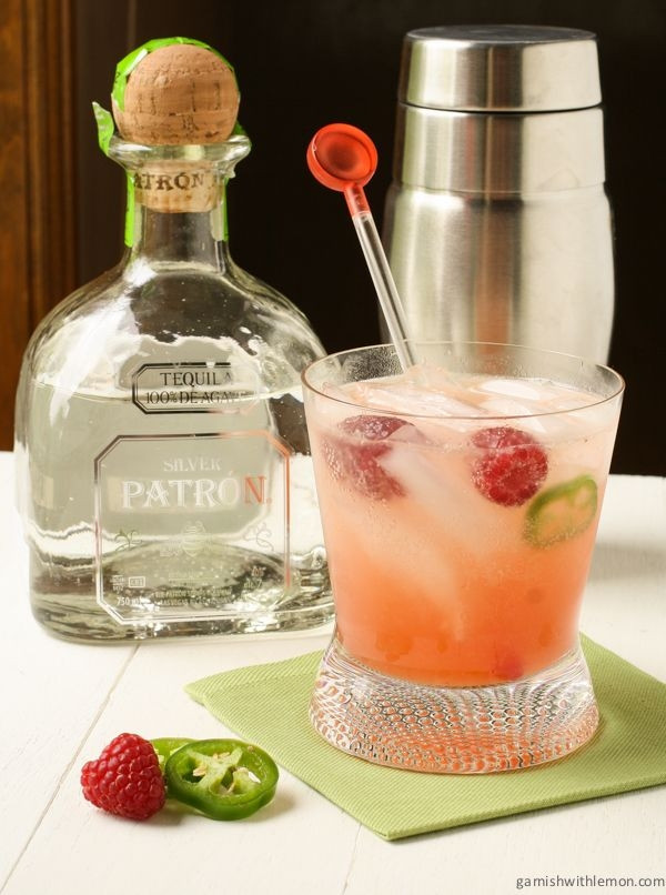 Summer Tequila Drinks  Raspberry Palomas a refreshing summer drink made with
