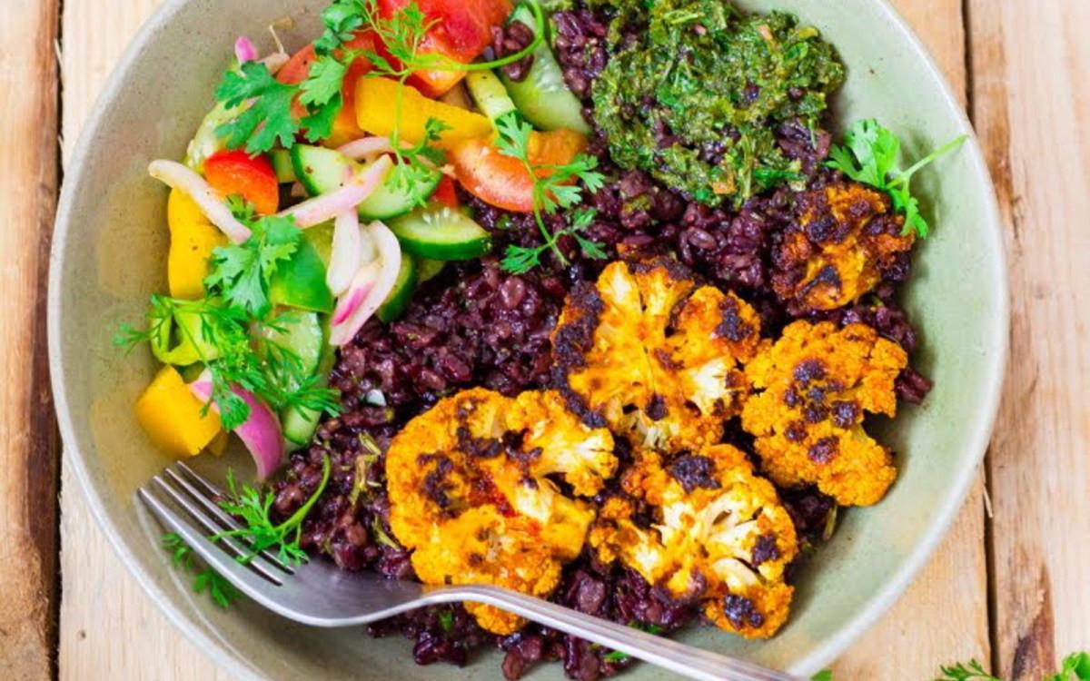 Summer Vegan Recipes  Spicy Grilled Cauliflower Summer Bowl [Vegan Gluten Free