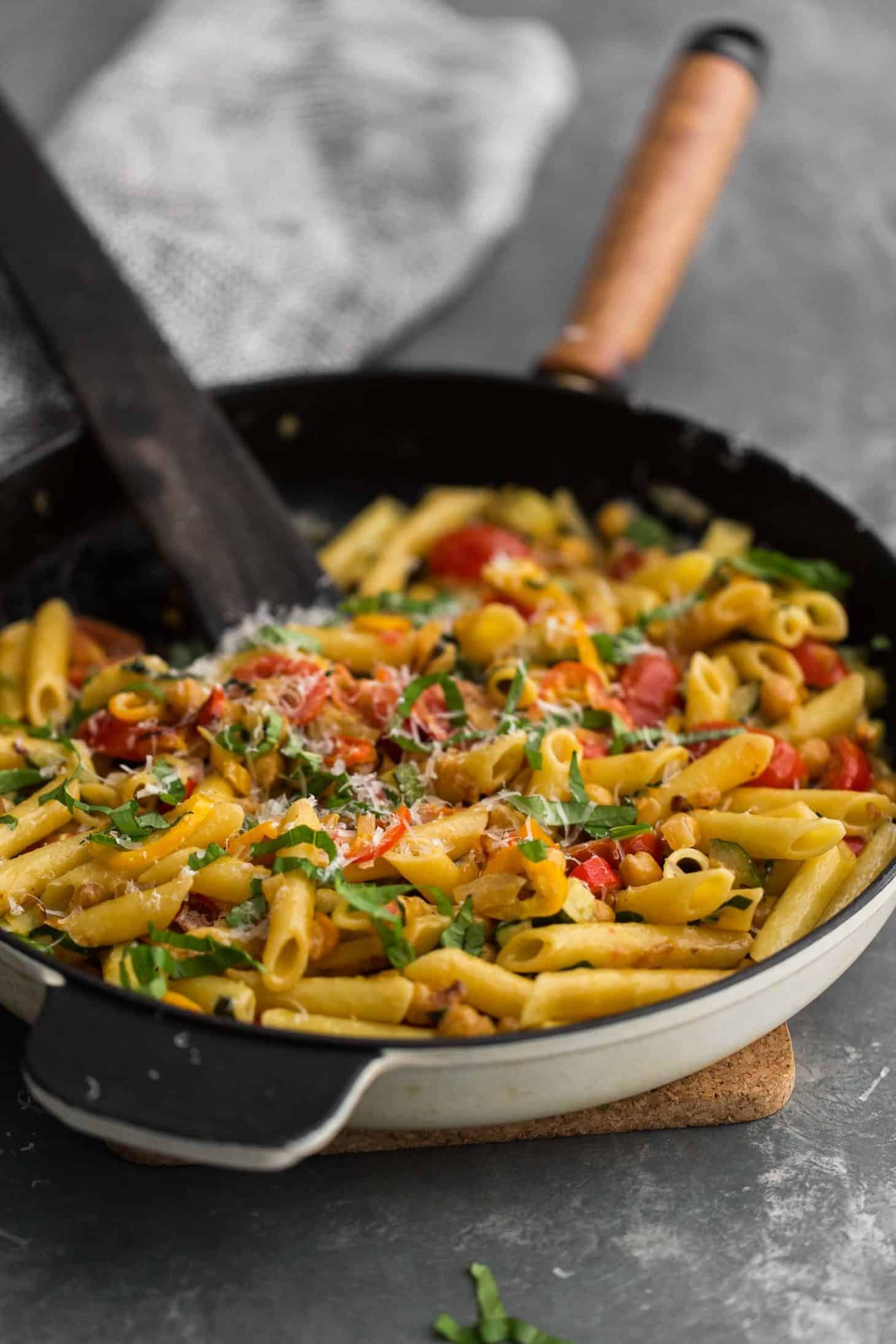 Summer Vegetarian Pasta Recipes  Summer Ve able Pasta with Chickpeas