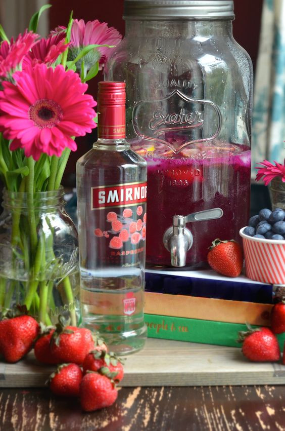 Summer Vodka Drinks For A Crowd  Mixed Berry Vodka Party Punch Punch4Everybody